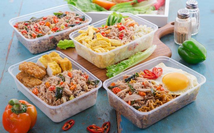 تعداد محدودی از ظروف پلاستیک نگهدارنده مواد غذایی قابل بازیافت هستند.