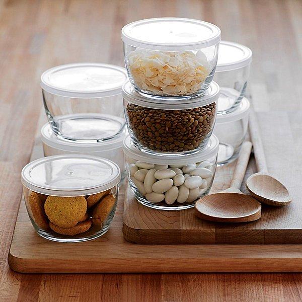 ظروف شیشهای یکی از بهترین ظروف موجود برای نگهداری مواد غذایی هستند.