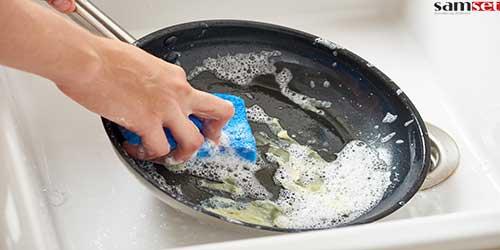 تمیز کردن ظروف تفلون