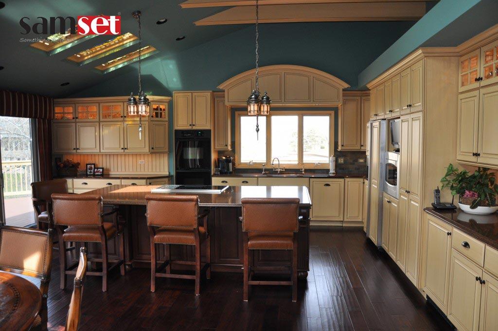 انتخاب رنگ قهوه ای در جدیدترین طراحی کابینت آشپزخانه